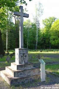 26_Łambinowice- pomnik pośw. Żołnierozm Pruskim i Niemieckim na cm.jenieckim 1