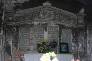 Cm.na Wrocławskiej - Grobowiec rodz. Beyer 1