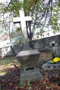 Cm.na Wrocławskiej- jeden z najstarszych nagrobków