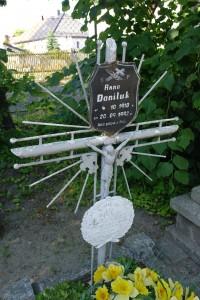 Nowa Wieś Królew.- na cmentarzu 16