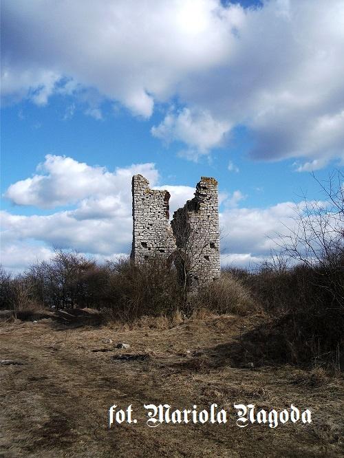 IS_49. Diabelskie Ruiny