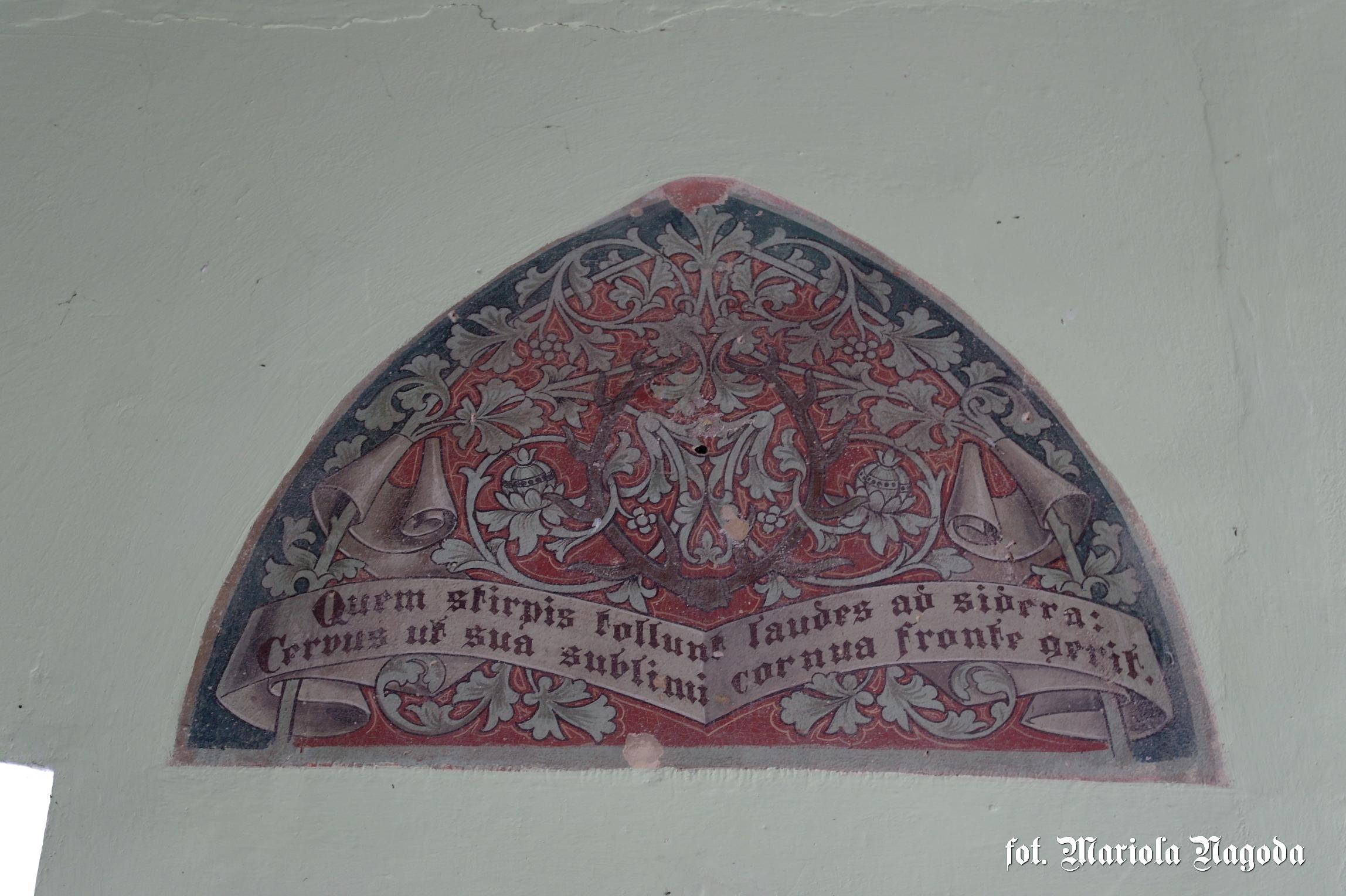 Herb i dewiza Praschmów w Salonie Neogotyckim
