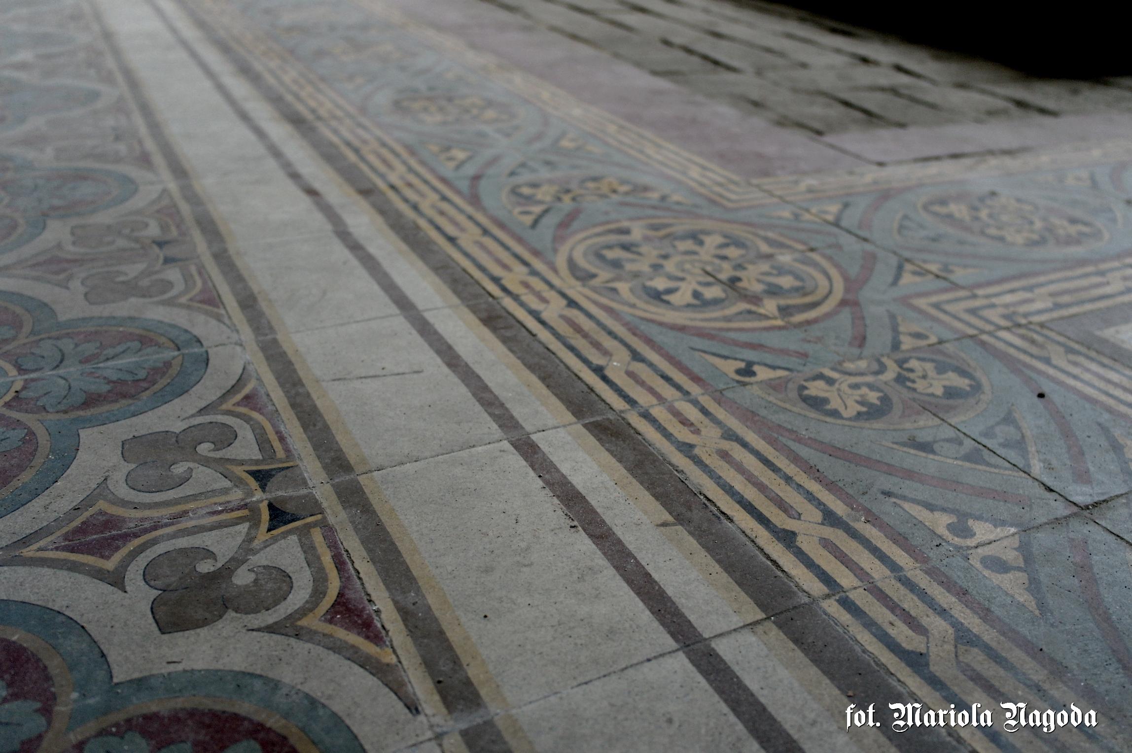 Oryginalna posadzka w kaplicy