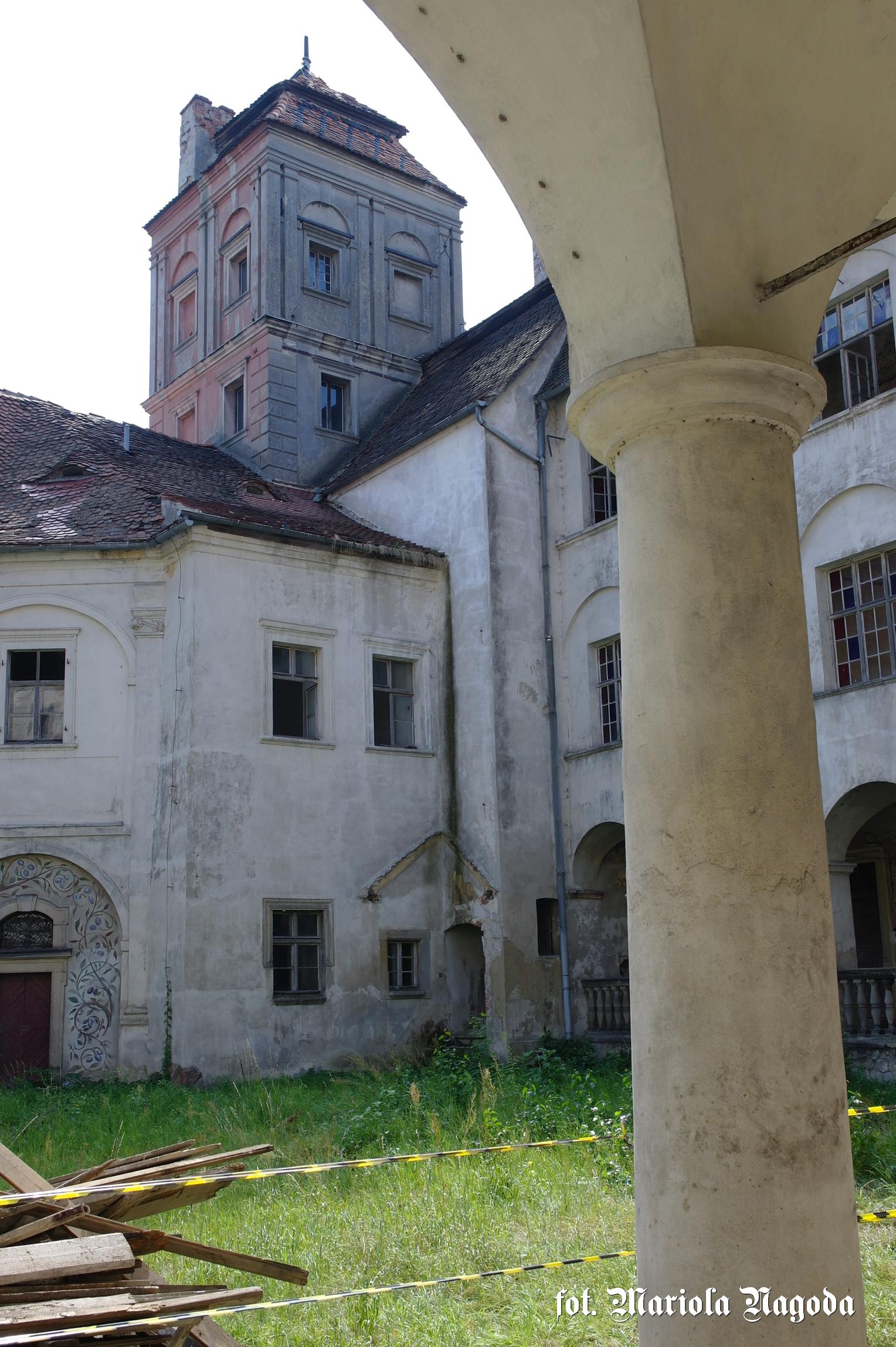 Skrzydło południowe zamku, wieża B 1