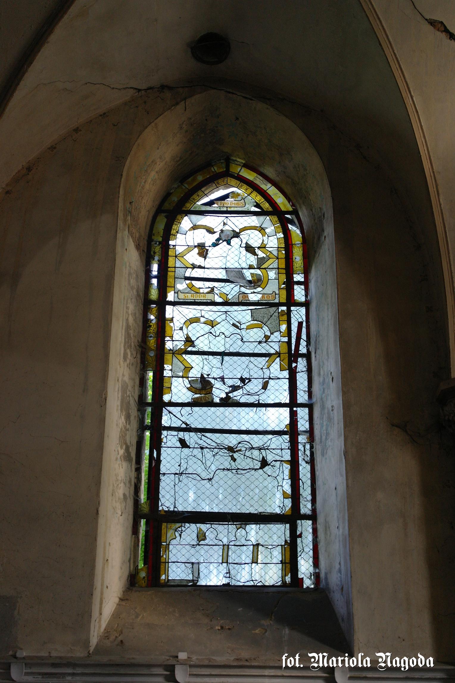 Witraże w kaplicy
